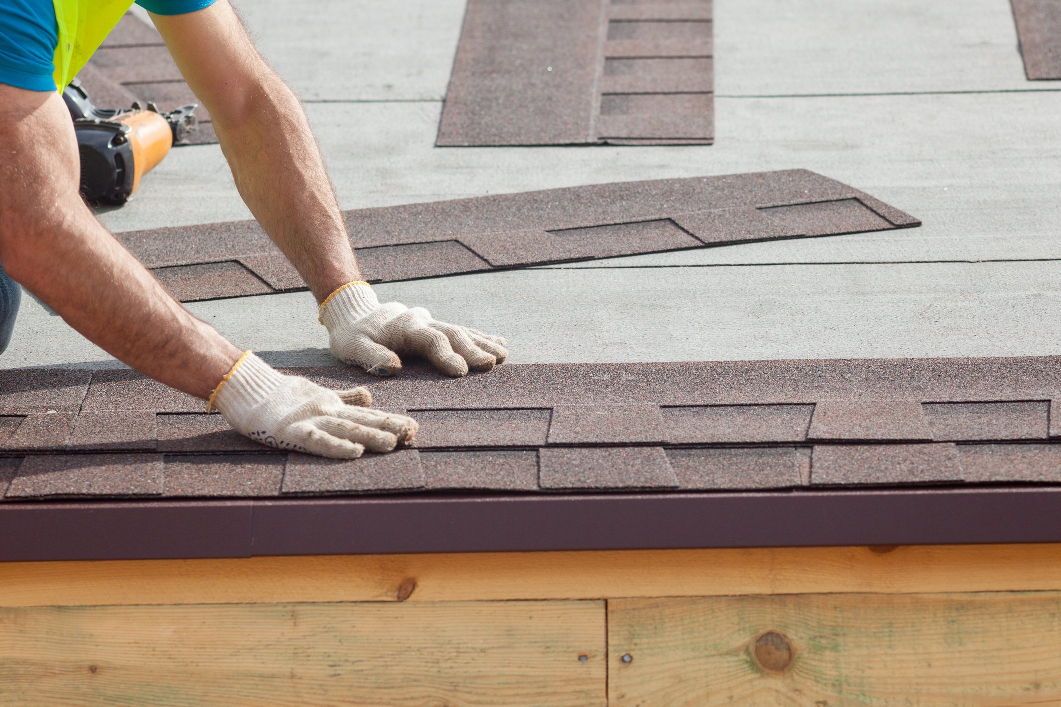 Why Homeowners Often Choose Shingle Roofing